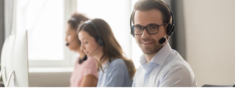 Customer Support Agent with Korean-Amber-Bucharest